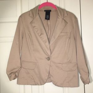 Cute versatile tan blazer